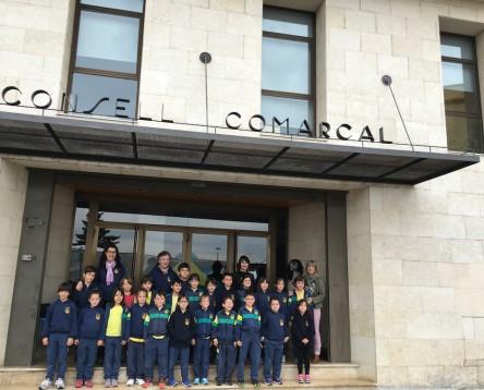 Imatge de la noticia Alumnes del col·legi Santa Teresa visiten la seu del Consell Comarcal