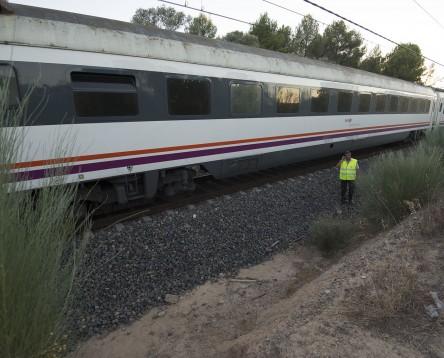 """Imatge de la noticia El Consell Comarcal remarca que el transport ferroviari a la Ribera viu una """"situació insostenible"""""""