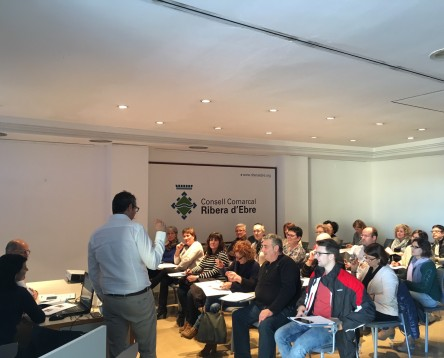 """Imatge de la noticia El cicle """"El cafè del comerç"""" dedica la quarta sessió a les diferències entre el comerç rural i l'urbà"""