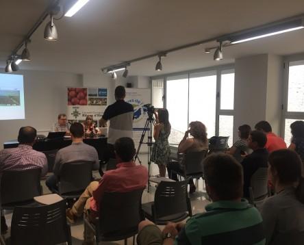 Imatge de la noticia La Ribera d'Ebre presenta el projecte del GR-99 a les empreses ebrenques acreditades per la Reserva de la Biosfera