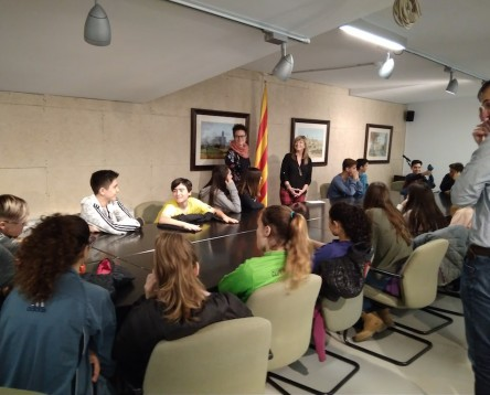 Imatge de la noticia Alumnes de 3r d'ESO visiten el Consell per conèixer els serveis de l'Oficina Jove de la Ribera