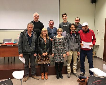 Imatge de la noticia El Consell dóna el títol de peó agrícola als 9 alumnes que han completat el curs del Ribera d'Ebre Viva