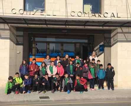 Imatge de la noticia Alumnes de l'escola d'Ascó visiten el Consell per conèixer el funcionament de la institució comarcal
