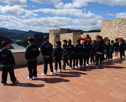 Imatge de la noticia El Castell de Miravet va rebre 57.426 visitants el 2017, entre els quals alumnes captivats per la història medieval