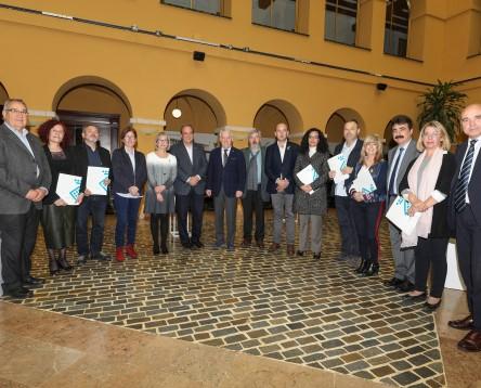 Imatge de la noticia El Consell signa el Pla d'Ocupació Comarcal 2018 per impulsar 5 llocs de treball i millores en 15 municipis riberencs