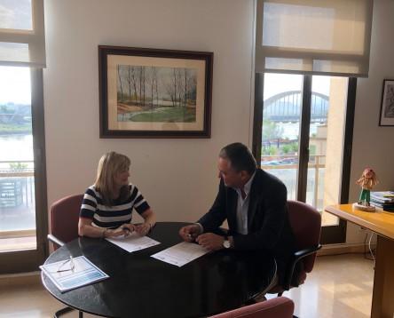 Imatge de la noticia Consell Comarcal i ANAV renoven el conveni anual per al desenvolupament econòmic i social de la Ribera