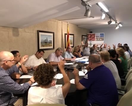 Imatge de la noticia Gemma Carim obté el suport dels 18 consellers del govern riberenc després que el president comarcal del PDeCat en demanés la seva dimissió