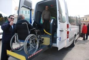 transport adaptat