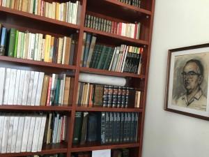 Interior de la casa d'Artur Bladé a Benissanet, la seva biblioteca.