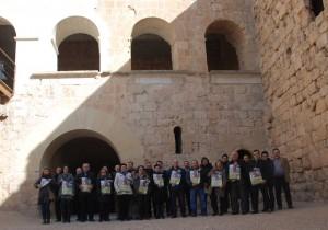Foto de família del sector turístic i de la restauració de la Ribera d'Ebre, durant la presentació de la festa i les jornades gastronòmiques de la Clotxa 2016.