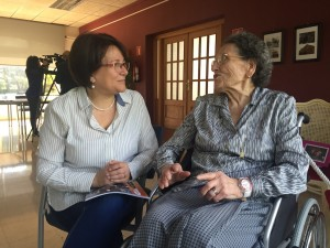 Els avis han traslladat a la consellera de Serveis Socials, Margarita Daura, el seu agraïment per la tasca i suport del Telecentre de la Ribera.