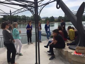 La presidenta comarcal s'ha trobat avui amb els joves, esmorzant, per conèixer la seva experiència en el programa de la Garantia Juvenil.