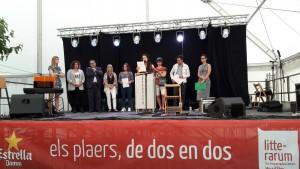 Imatge de l'acte de lliurament dels premis, on es van llegir els quatre relats guanyadors.