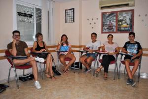 Alumnes del curs, a l'aula de l'acadèmia Dill-Sarroca de Móra d'Ebre, on s'ha impartit les classes d'anglès.