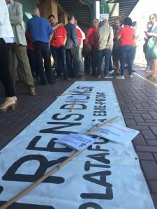 Els manifestants han partit de l'estació de l'Aldea.
