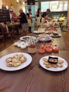 Alguns dels plats cuinats durant la demostració celebrada a l'Hostal la Cteu, abans de les pràctiques en restaurants de la comarca.