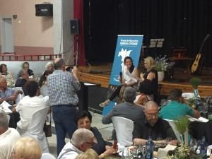 Mireia Valcells, guanyadora del Premi l'any passat, va presentar la seva obra als assistents.