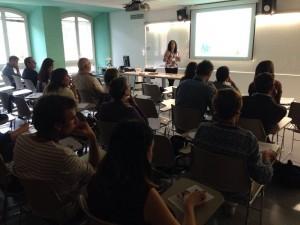 La gerent del CIS, Begoña Garcia, durant la presentació de dos projectes de cooperació que es desenvolupen a la Ribera d'Ebre.