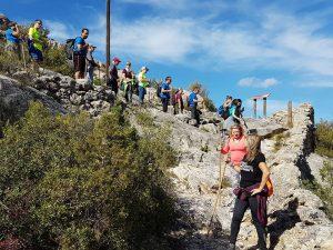 Els participants van recórrer els paratges naturals riberencs del GR en un dia esplèndid per caminar.